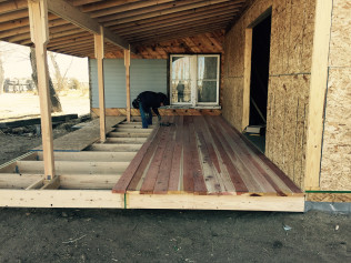Custom Decks & Patios